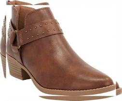 Cambridge Select Women's Closed Pointed Toe Western Studded