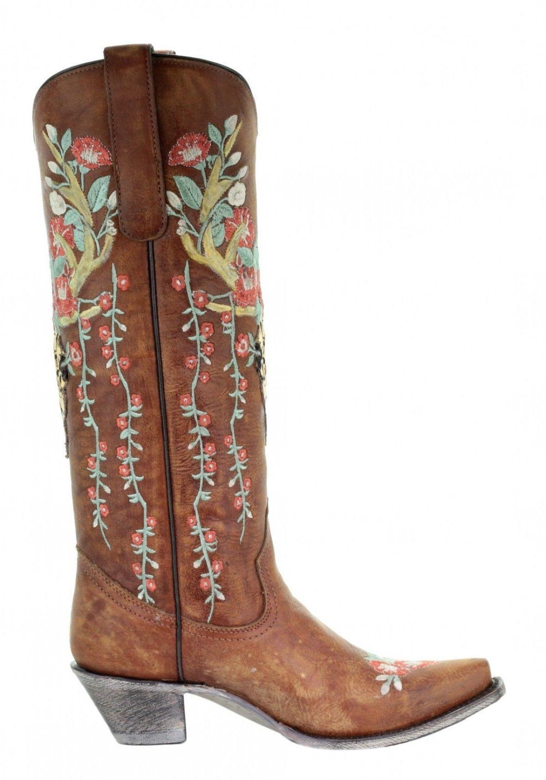 Corral Floral Embroidered Western A3620